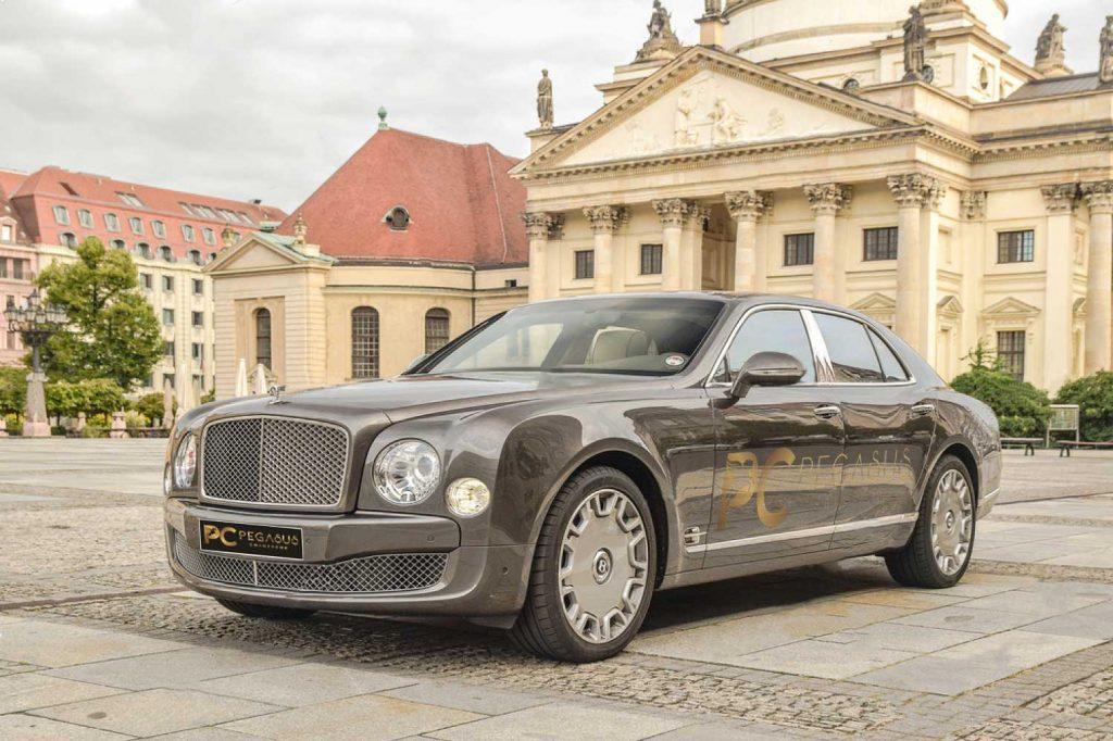 Bentley-Mulsanne-Front-Side.jpg
