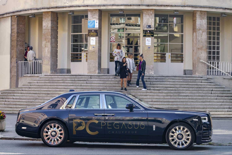 Rolls-Royce-Phantom-VIII-8-chauffeur-in-london-side-look.jpg