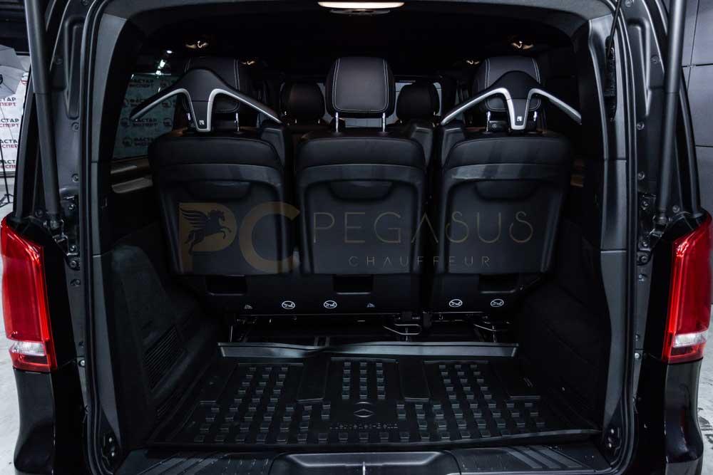mercedes-benz-v-class-trunk-look.jpg