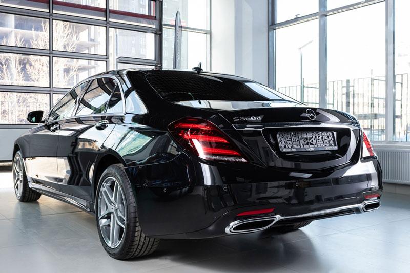 mercedes-s-class-chauffeur-back-look