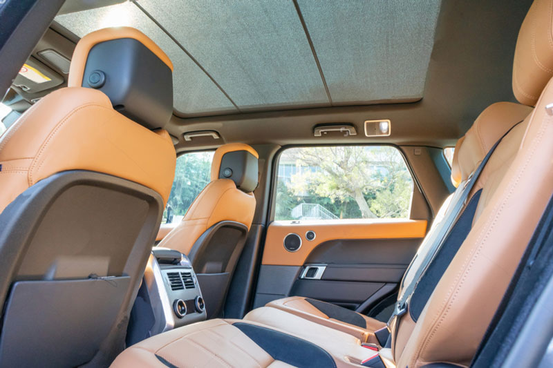 range-rover-back-seat-iner-view