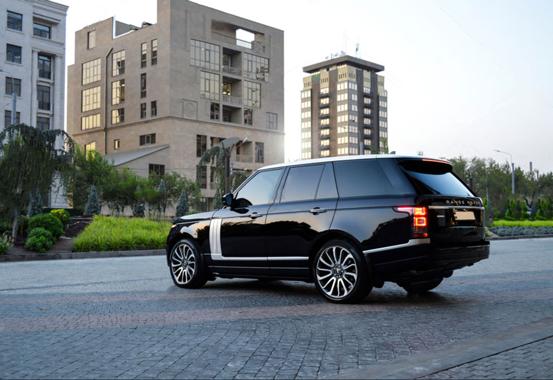 range-rover-back-side-view